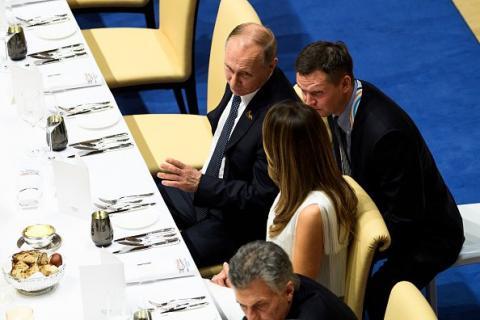 Соціальні мережі висміяли Володимира Путіна (ФОТО)