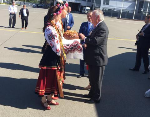 Держсекретар США Тіллерсон прибув до Києва (ФОТО)