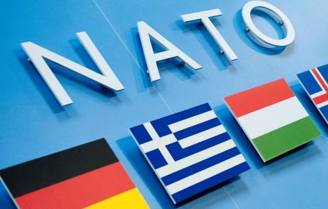 Опитування: скільки українців підтримує вступ України до НАТО