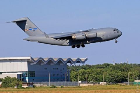 В Одесі приземлилась авіація НАТО (ФОТО)