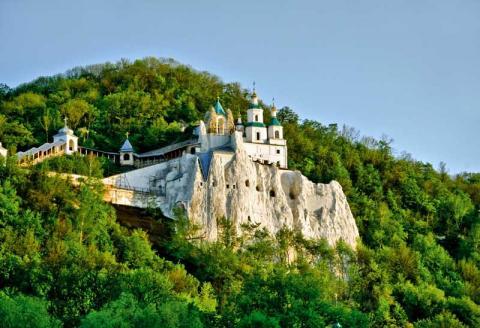 11 дивовижних національних парків України, які варто побачити вже цього літа (ФОТО)