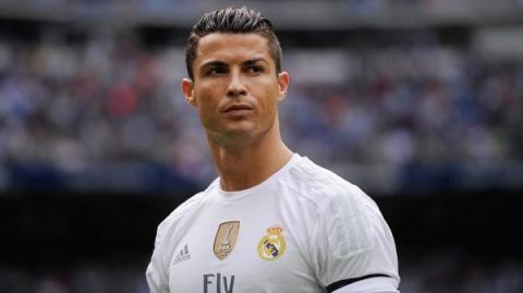 Відомий футболіст Кріштіану Роналду показав свою новонароджену дитину (ФОТО)