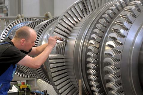 Щонайменше дві газотурбінні установки доправили до Криму проти волі Siemens — Reuters
