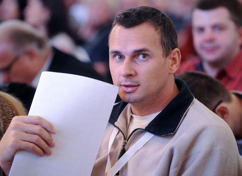Стало відомо, як Порошенко привітав заарештованого в Росії Сєнцова (ФОТО)