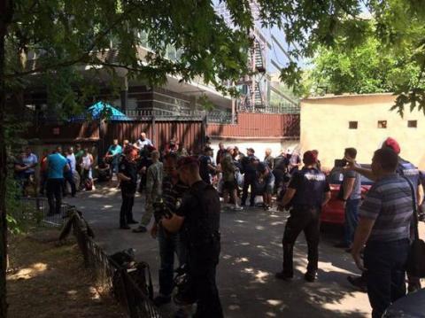 Невідомі молодики намагалися прикинутися ветеранами АТО (ФОТО)