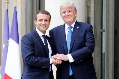 Макрон зустрівся з Трампом (ФОТО)