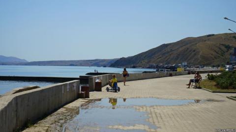 У мережі опублікували «переповнені» пляжі в окупованому Криму (ФОТО)