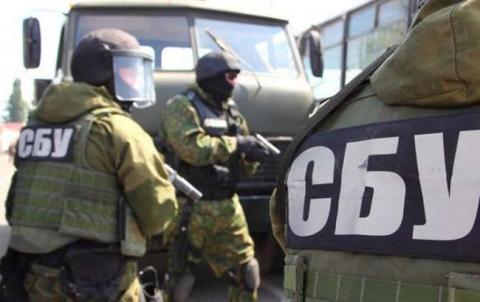 """Бійці СБУ спіймали психолога бойовиків, яка """"надихала"""" терористів на вбивства (ВІДЕО)"""