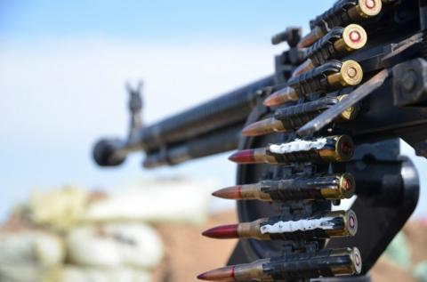 На сході України терористи вели обстріл з танку