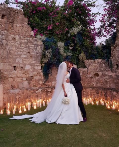 Донька Добкіна представила свою весільну сукню, яка коштує великих грошей (ФОТО)