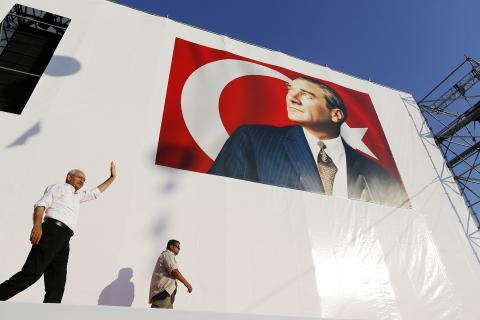 Річниця невдалого перевороту: «Усі дивляться в бік Ердогана»