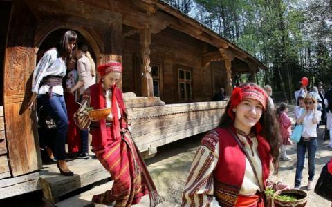 Українські музеї можна відвідати не виходячи з дому