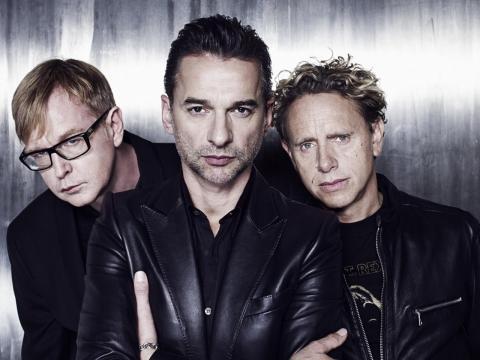Соліста Depeche Mode виписали з лікарні: концерт у Києві не скасовують