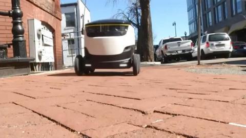 В Естонії почали тестування роботів-кур'єрів