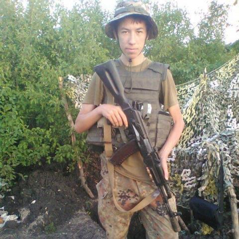 На Донбасі снайперська куля вбила молодого українського бійця (ФОТО)