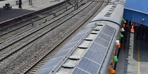 В Індії запустили перший потяг на сонячний енергії