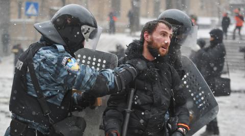 """Силовики затримали екс-беркутівця, який нападав на активістів """"Автомайдану"""""""