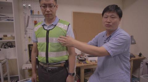 Порятунок від спеки: у Китаї розробили жилет-кондиціонер