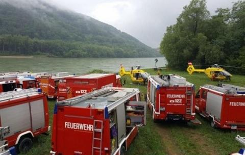 В Австрії спалахнуло круїзне судно (ФОТО)