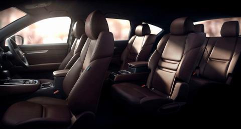 Mazda офіційно розсекретила новий кросовер CX-8 (ФОТО)