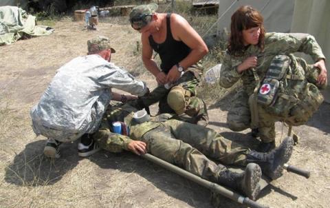 До Одеси літаком доставили 14 поранених на Донбасі військових