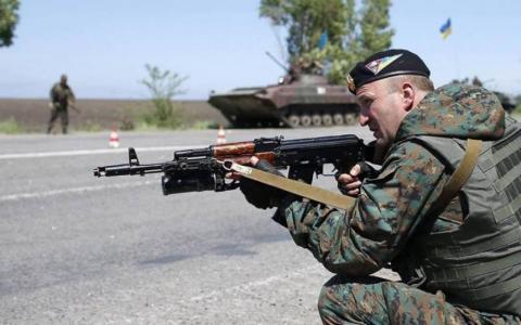 Турчинов розповів про озброєння, яким мають користуватися в АТО