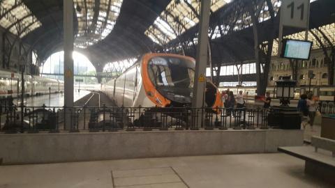 Аварія в Іспанії: поїзд влетів у платформу, десятки постраждалих (ФОТО)