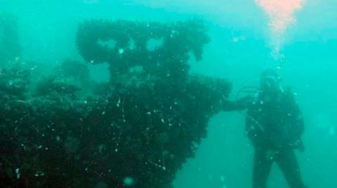 Біля узбережжя Одеси знайшли судно з боєприпасами