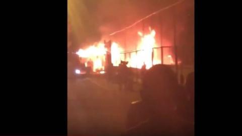 """В Одесі спалахнула серйозна пожежа у клубі-ресторані """"Пляжник"""""""