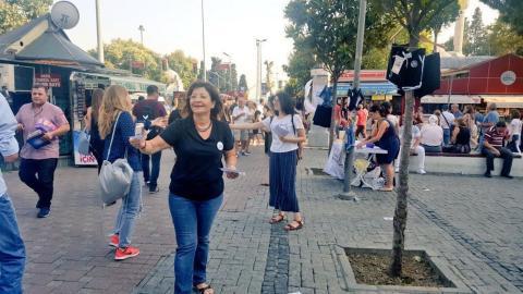 У Стамбулі жінки протестують проти вимог «традиційно одягатися»