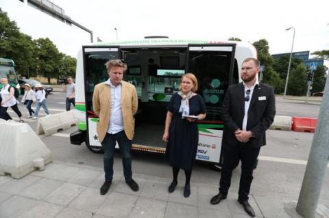 Безпілотні автобуси почали їздити в Естонії