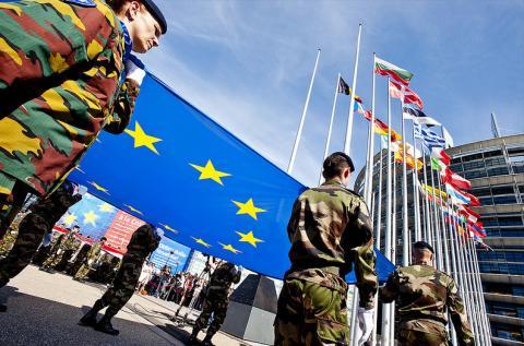 Німеччина і Франція працюють над автономією ЄС в сфері оборони