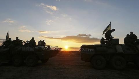 Обстріли в зоні АТО не вщухають: поранені 4 бійців ЗСУ