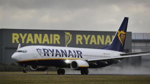 Гройсман назвав аеропорти, з яких тимчасово може літати Ryanair