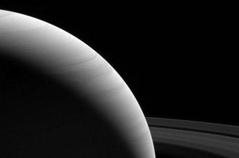 NASA показало, як виглядає світанок на Сатурні (ФОТО)