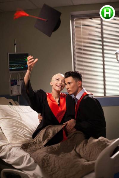 """""""Та пішли ви"""": У мережі розгнівані знущанням українських моделей над онкохворими"""