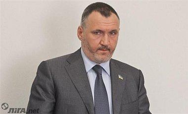 Прокуратура вручила підозру Ренату Кузьміну