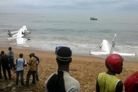 На узбережжі Кот-д'Івуару розбився літак, орендований військовими Франції: 4 загиблих