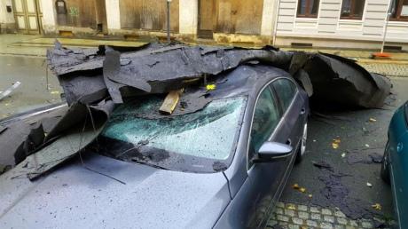 """У Німеччині лютує новий потужний ураган """"Герварт"""""""