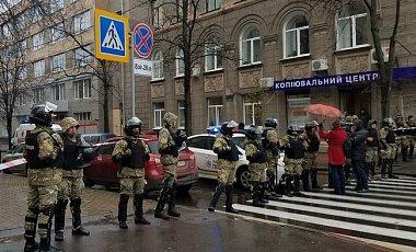 Син Авакова та Чеботар затримані після обшуків НАБУ - джерело