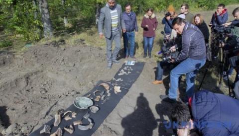 Археологи знайшли давню оселю заможного пана поблизу Дніпра