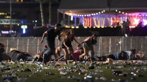 Подруга чоловіка, який розстріляв людей в Лас-Вегасі, нічого не знала про його плани, – ЗМІ