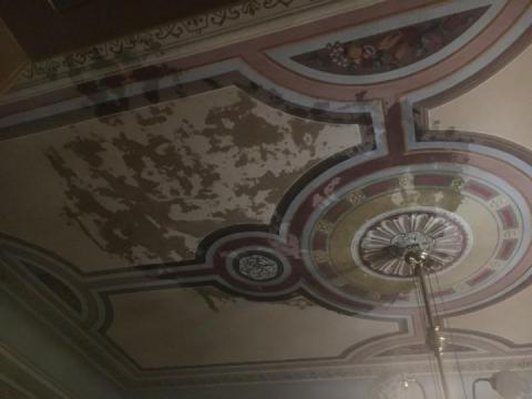 У Львівському музеї імені Крушельницької прорив труби знищив два зали