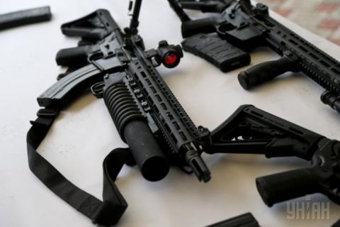 На полігоні під Києвом представили українську стрілецьку зброю стандартів НАТО
