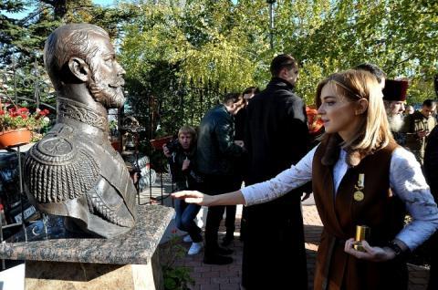 В Росії Наталю Поклонську пропонують зробити святою за життя