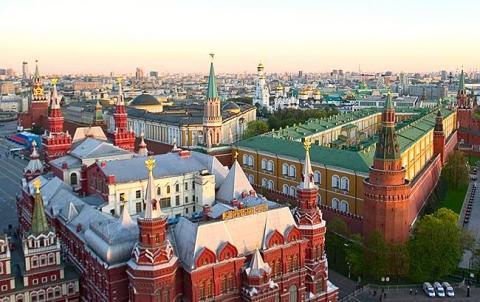 У Москві евакуювали 6 торгових центрів через повідомлення про мінування