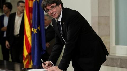 Керівництво Каталонії підписало декларацію про незалежність