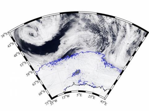 Вчені виявили в Антарктиді гігантську діру