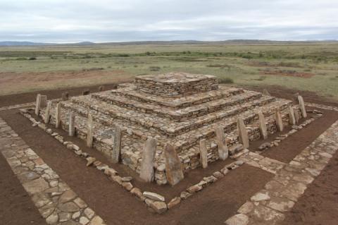 В Казахстані відновили піраміду, якій три тисячі років, – археологи
