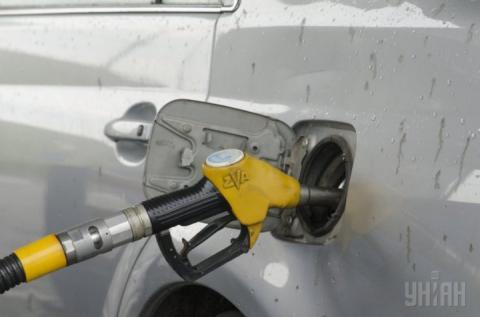 За останні дні в Україні знову зросли ціни на бензин